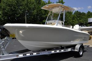 Used Pioneer Sportfish 197 Center Console Fishing Boat For Sale