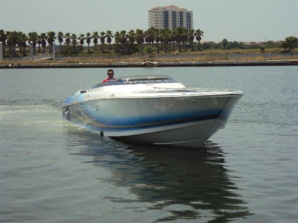 Used Donzi 43 ZR Cuddy Cabin Boat For Sale