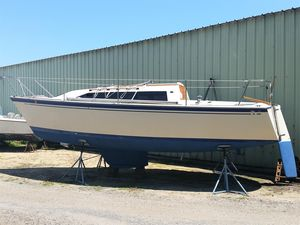 Used O'day 27 Cruiser Sailboat For Sale
