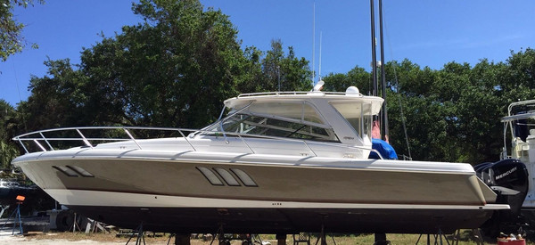 Used Intrepid 47 Sport Yacht Express Cruiser Boat For Sale
