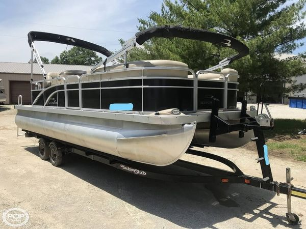 Used Bennington 24 SL Pontoon Boat For Sale