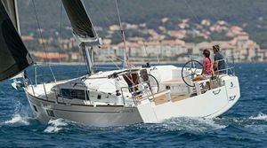 Used Beneteau 38.1 Racer and Cruiser Sailboat For Sale