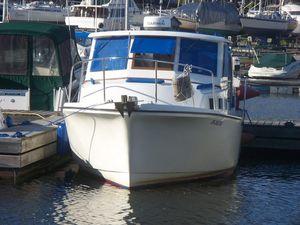 Used Albin 27 Family Cruiser Boat For Sale