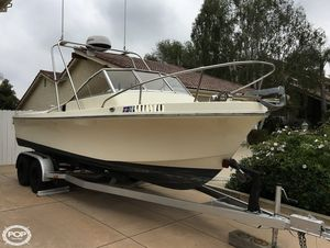 Used Skipjack 20 Walkaround Fishing Boat For Sale