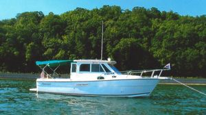 Used Shamrock Mackinaw Cruiser Boat For Sale