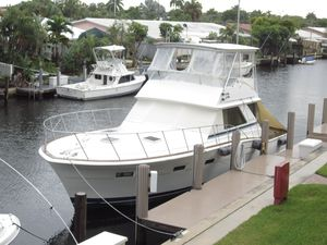 Used Chris-Craft Commander Sport Fisherman Sports Fishing Boat For Sale