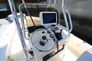 Used Parker 1801 Center Console Fishing Boat For Sale