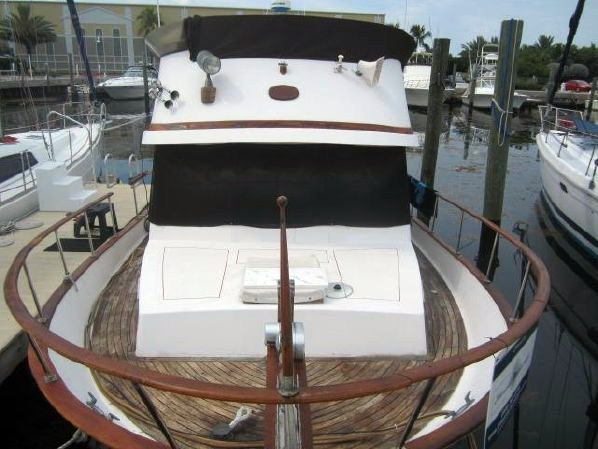 Used Conquest Lehman Ford 140 Aft Cabin Boat For Sale