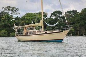 Used Islander Freeport Cruiser Sailboat For Sale
