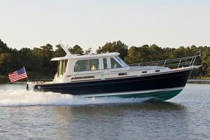 New Sabre 42 SE Express Cruiser Boat For Sale