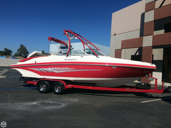 Used Rinker 246 Captiva Ski and Wakeboard Boat For Sale