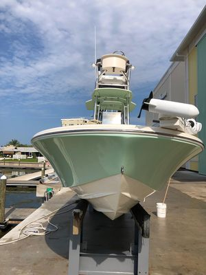 Used Canyon Bay 2400 Center Console Fishing Boat For Sale