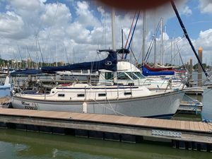 Used Island Packet Island Packet 31 Cruiser Sailboat For Sale