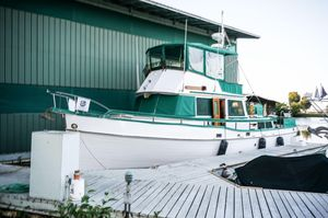 Used Grand Banks 42 Classic Cruiser Boat For Sale
