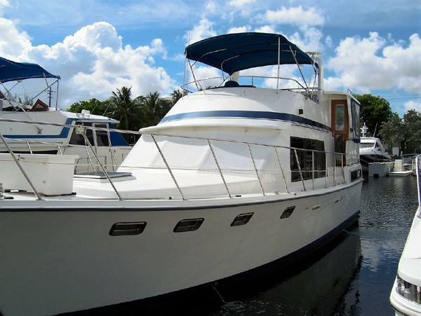 Used Marine Trader Tradewinds 43 Sundeck Cruiser Boat For Sale