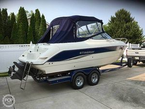 Used Stingray 240CR Walkaround Fishing Boat For Sale