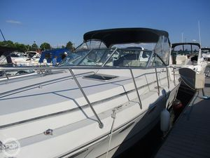 Used Sun Runner 272 Classic Express Cruiser Boat For Sale
