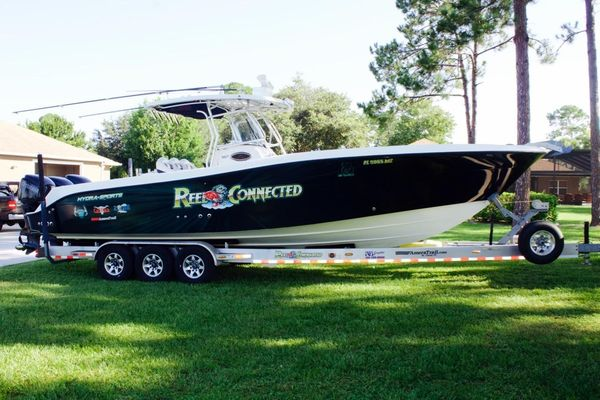 Used Hydra-Sports 3300 Vector Center Console Fishing Boat For Sale