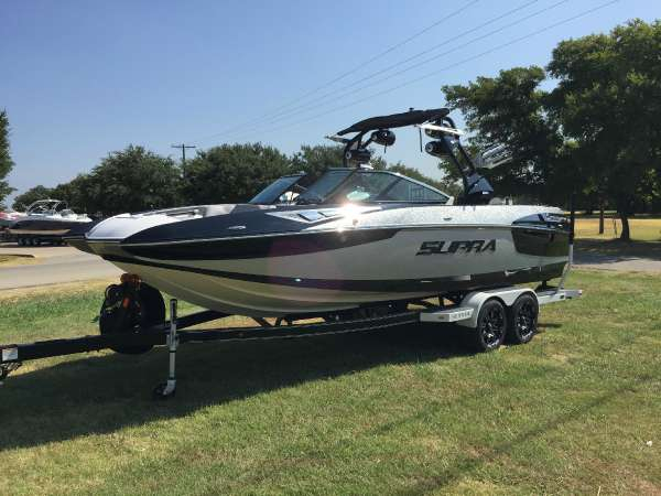 New Supra SE450 Ski and Wakeboard Boat For Sale