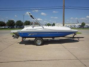 New Starcraft Limited 2000 IOLimited 2000 IO Deck Boat For Sale