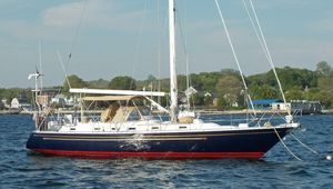 Used Hylas 47 Center Cockpit Cruiser Sailboat For Sale