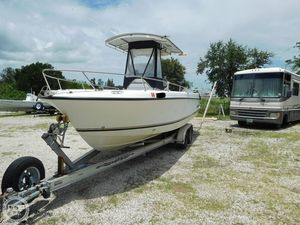 Used Shamrock 241 CC Center Console Fishing Boat For Sale