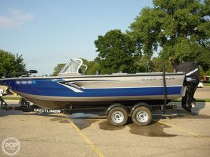 Used Crestliner Authority 2250 Aluminum Fishing Boat For Sale
