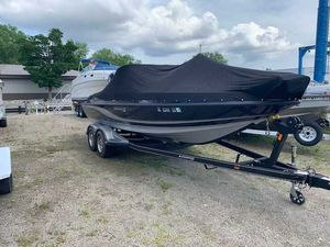 Used Stratos XF® 326 Sports Fishing Boat For Sale