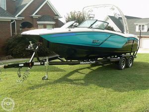Used Mastercraft NXT 22 Ski and Wakeboard Boat For Sale