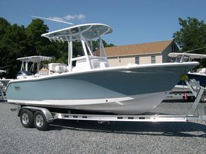 New Sea Hunt 225 Ultra Center Console Fishing Boat For Sale