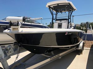 Used Wellcraft 241 Bay Saltwater Fishing Boat For Sale