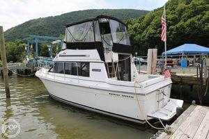 Used Carver 28 Mariner Express Cruiser Boat For Sale