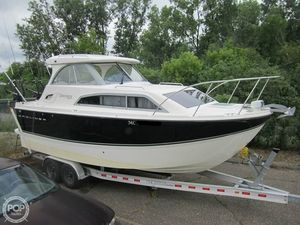 Used Bayliner 266 Discovery Express Cruiser Boat For Sale