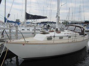 Used Cape Dory 33 Cruiser Sailboat For Sale