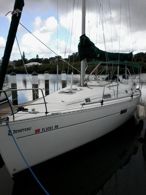 Used Beneteau Oceanis 361 Racer and Cruiser Sailboat For Sale