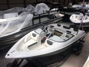 New Rinker 17QX OB / Outboard Model Bowrider Boat For Sale