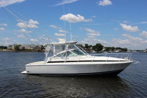 Used Bertram 30 Moppie Express Cruiser Boat For Sale