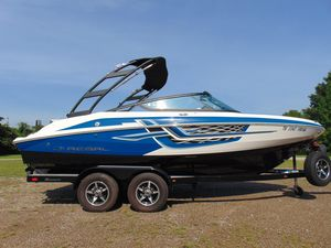 Used Regal 2000 ESX Bowrider Boat For Sale