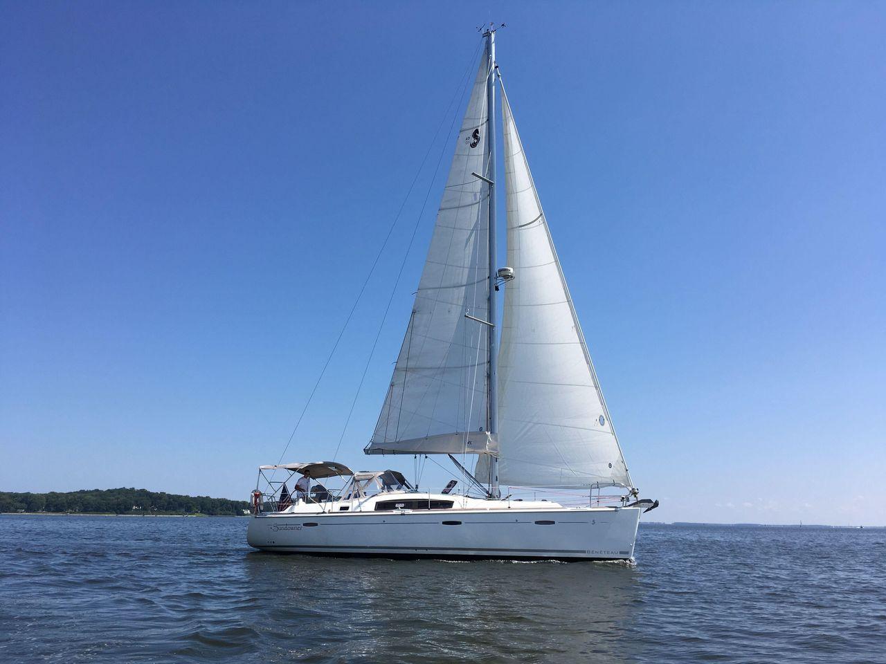 2009 Used Beneteau 40 Cruiser Sailboat For Sale - $139,000