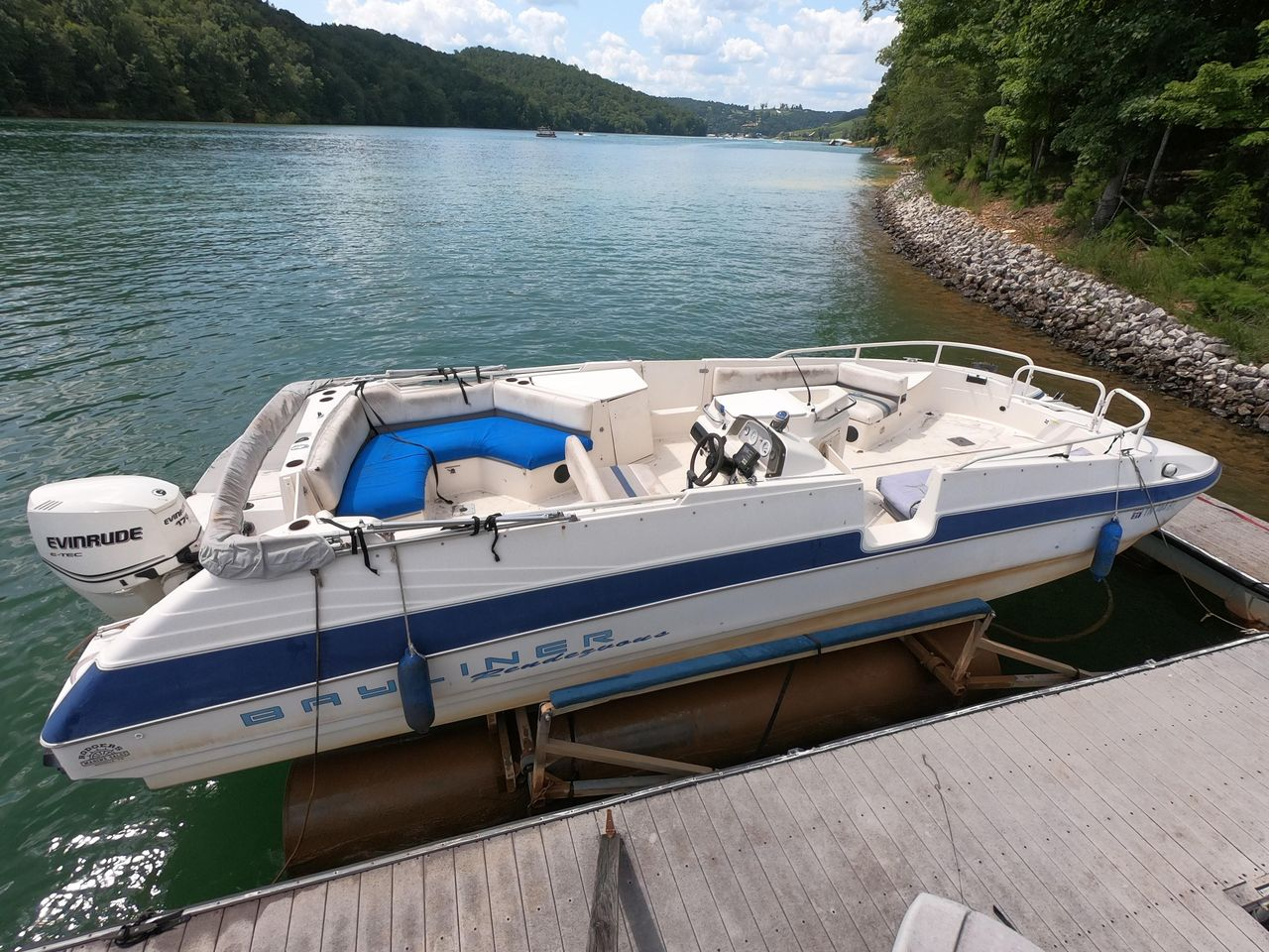 1994 Used Bayliner Rendezvous Power Catamaran Boat For Sale