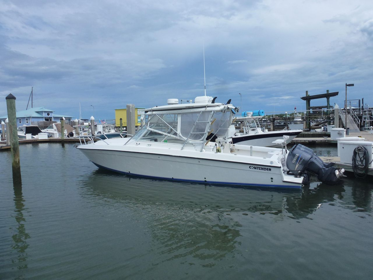 1998 Used Contender 35 Side Console Express Cruiser Boat For