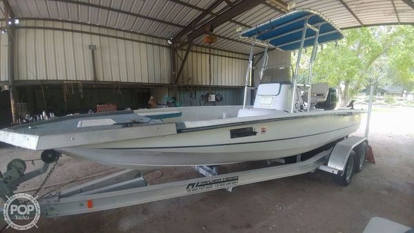 Used Sprint Promaster 21 Bay Boat For Sale