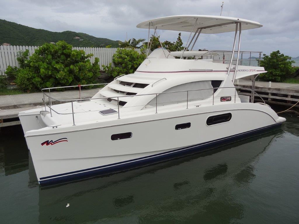 Used Robertson And Caine Leopard 37 PC Cruiser Boat For Sale