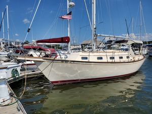 Used Island Packet 32 Cruiser Sailboat For Sale