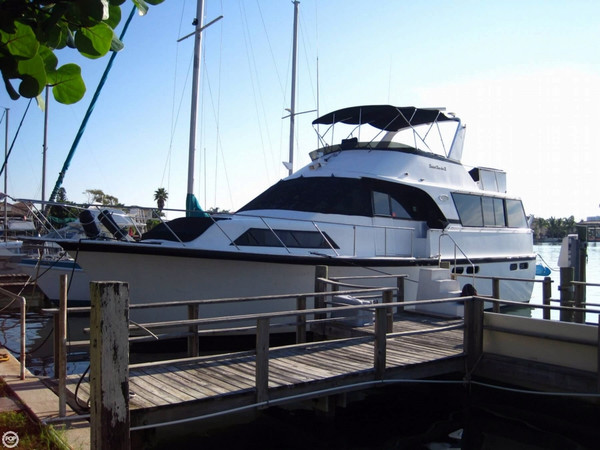Used Ocean Yachts 48 Motor Yacht Cruiser Boat For Sale