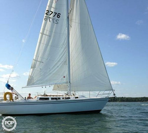 Used Catalina 30 Tall Rig Racer and Cruiser Sailboat For Sale