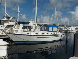Used Endeavour E40 Racer and Cruiser Sailboat For Sale