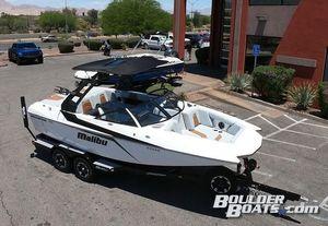 New Malibu Waksetter 21 MLXWaksetter 21 MLX Ski and Wakeboard Boat For Sale