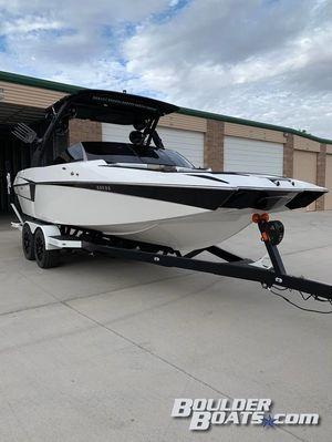 Used Malibu Wakesetter 22 MXZWakesetter 22 MXZ Ski and Wakeboard Boat For Sale
