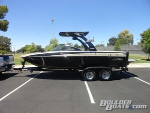 Used Malibu Wakesetter 21 VLXWakesetter 21 VLX Ski and Wakeboard Boat For Sale